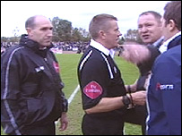 (L-R) Alan Sheffield, referee Tony Bates, Peter Beadle