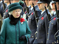 Queen inspects the Royal Guard of Honour