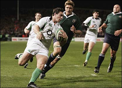 David Wallace scores for Ireland