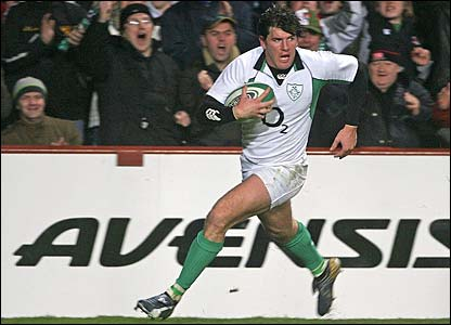 Shane Horgan scores the final try
