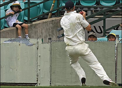 Kevin Pietersen takes a brilliant catch to dismiss Simon Katich off Ashley Giles' bowling