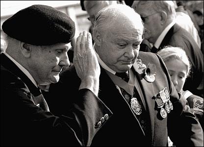 War veteran salutes