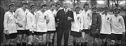 Dick, Kerr's Ladies team in 1925
