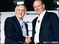 Microsoft CEO Steve Ballmer (right) and Novell CEO Ron Hovsepian