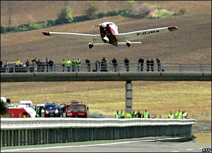 A Piper PA28 takes off from a motorway at Nailloux, near Toulouse in France