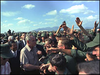 Lyndon B Johnson in Vietnam 1967 (LBJ Library)