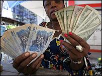 Moneylender in DR Congo