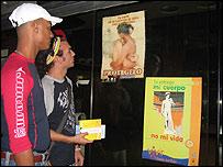 Asistentes del 2do festival de cine gay de Cuba (Foto de Raquel Pérez)