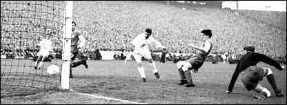 Ferenc Puskas scores in the 1960 European Cup final