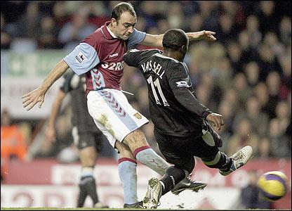 Gavin McCann scores for Aston Villa