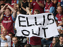 Aston Villa fans protest against Doug Ellis