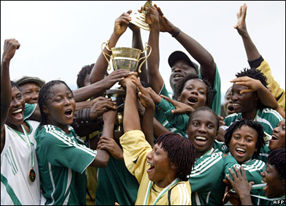 Nigerian women footballers celebrate