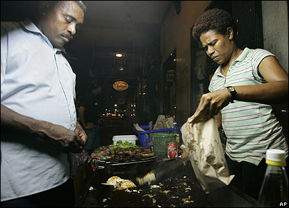Street food vendor in Suva on 30 November 2006