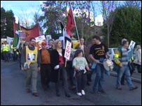 Protest against Imerys cuts