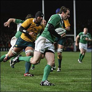 Geordan Murphy races away to score a try