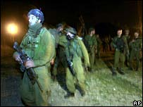 Israeli troops enter Gaza [21 November]