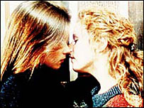 Beth Jordache (Anna Friel) and Margaret Clemence (Nicola Stephenson)