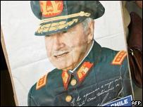 Afiche de Augusto Pinochet