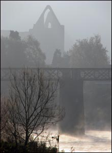 A cold and misty morning in Tintern (Terry Winter from Caldicot)