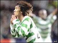 Shunsuke Nakamura festeja el gol que convirti� para el Celtic