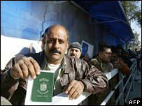 An Iraqi man queues outside the reopened Iraqi embassy in Damascus on 11 December 2006