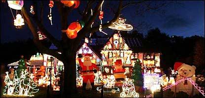 Iluminación navideña en Sonning, cerca de Reading, Inglaterra. Foto: Tim Ockenden/PA