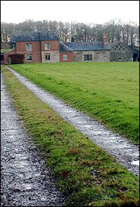 Llwynywormwood estate