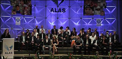Artistas en presentación de la Fundación ALAS.