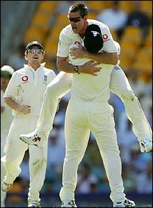 Ashley Giles dismisses Damien Martyn