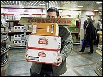 Shopper in Calais