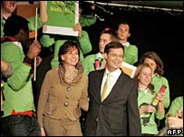 Dutch Christian Democrat Prime Minister Jan Peter Balkenende and his wife Bianca celebrate in The Hague