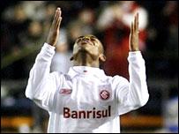 Substitute Luiz Adriano
