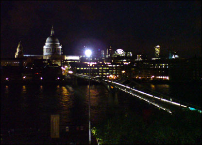 St Paul's cathedral taken from Tate Modern - pic by Lia Alves