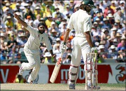 Andrew Symonds is removed by Monty Panesar