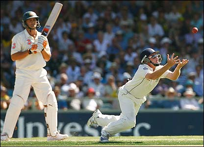 Adam Gilchrist is caught at short-leg by Ian Bell