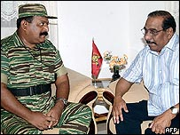Tamil Tiger leader Vellupillai Prabhakaran (left) and Anton Balasingham
