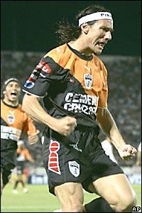 Gabriel Caballero festeja su gol.