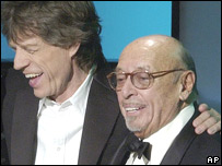 Ahmet Ertegun (r) and Mick Jagger of the Rolling Stones (file)