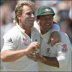 Warne celebrates Hoggard's wicket with Ponting