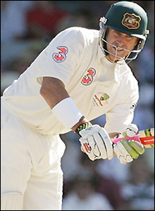 Matthew Hayden scores his first 50 of the series