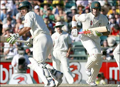 Ponting and Hayden both finish the day with not out scores of 57 as Australia move closer to winning back the Ashes