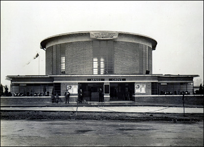 Arnos Grove station in 1932