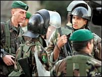 Lebanese soldiers in Beirut, 25 Nov