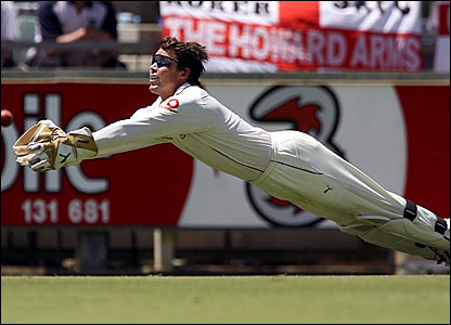 Geraint Jones fails to catch a chance off Michael Hussey