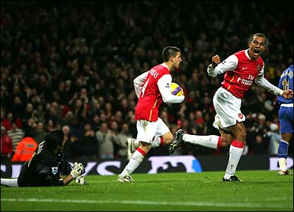 Gilberto Silva is ecstatic after scoring