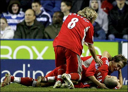 David Bentley is congratulated by Robbie Savage and Morten Gamst Pedersen