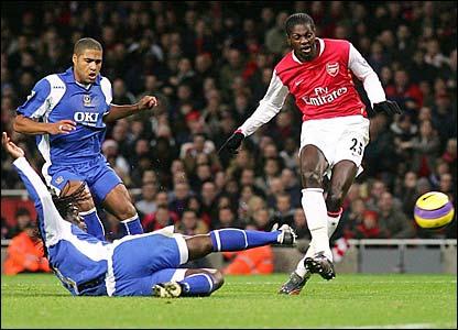 Emmanuel Adebayor scores Arsenal's first goal