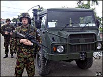 New Zealand troops on guard in East Timor