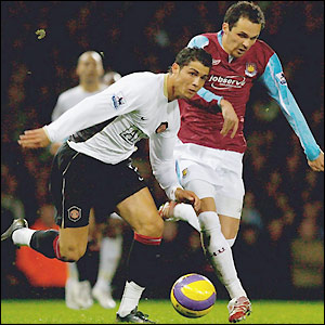 Ronaldo holds off Matthew Etherington