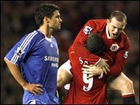 Chelsea midfielder Michael Ballack (left)